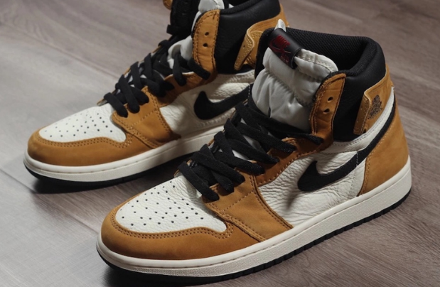 "Air Jordan 1 ""Rookie of the Year"" 货号:555088-700"